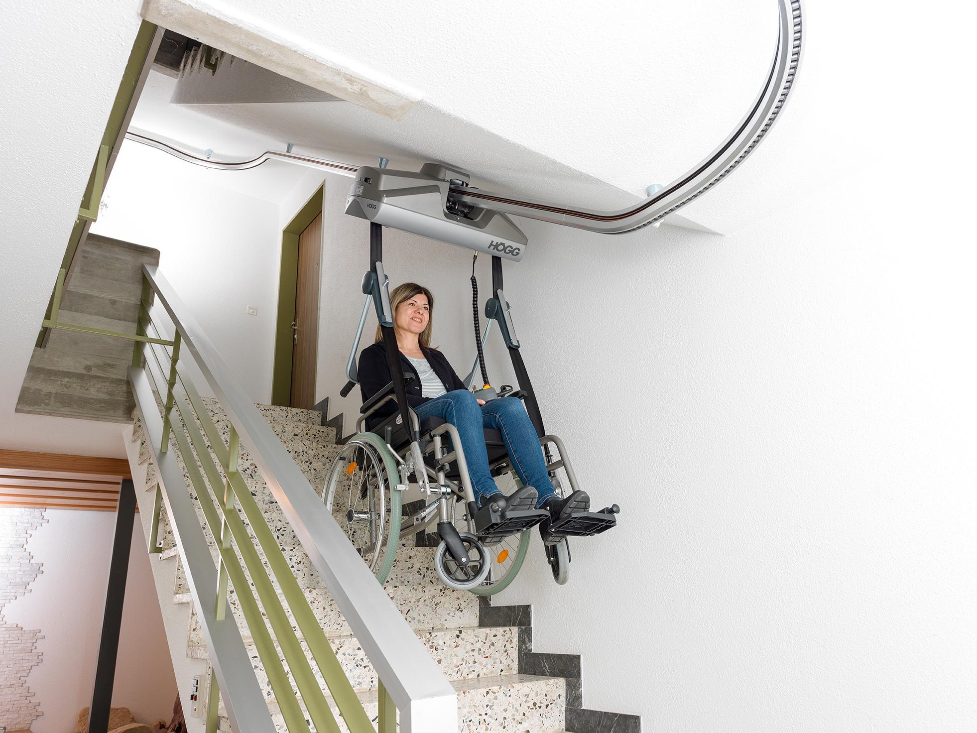 Deckengeführte Rollstuhllifte